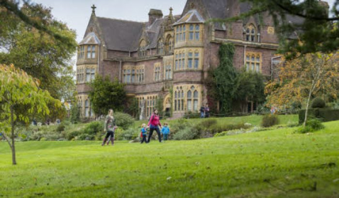 Things to do in Devon - Autumn at Knighthayes